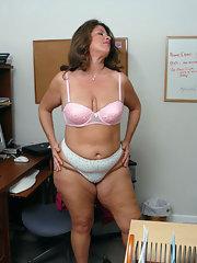 Curvy mature milf panties